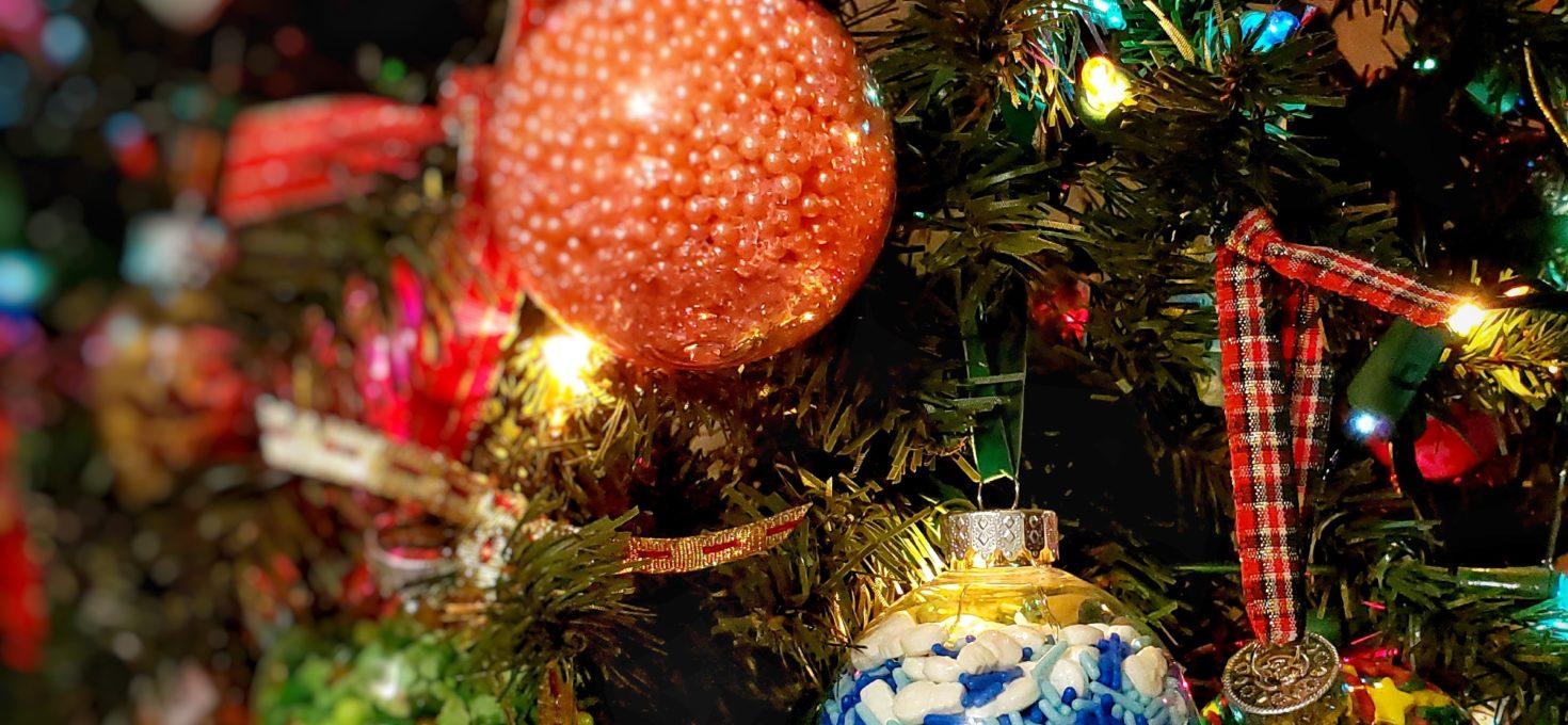 DIY Sprinkle Christmas Ornaments